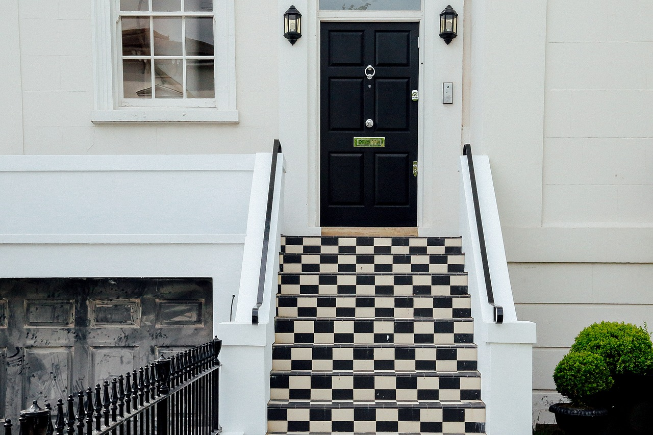 Quelle matière vous offre le plus de choix esthétiques pour votre porte ?