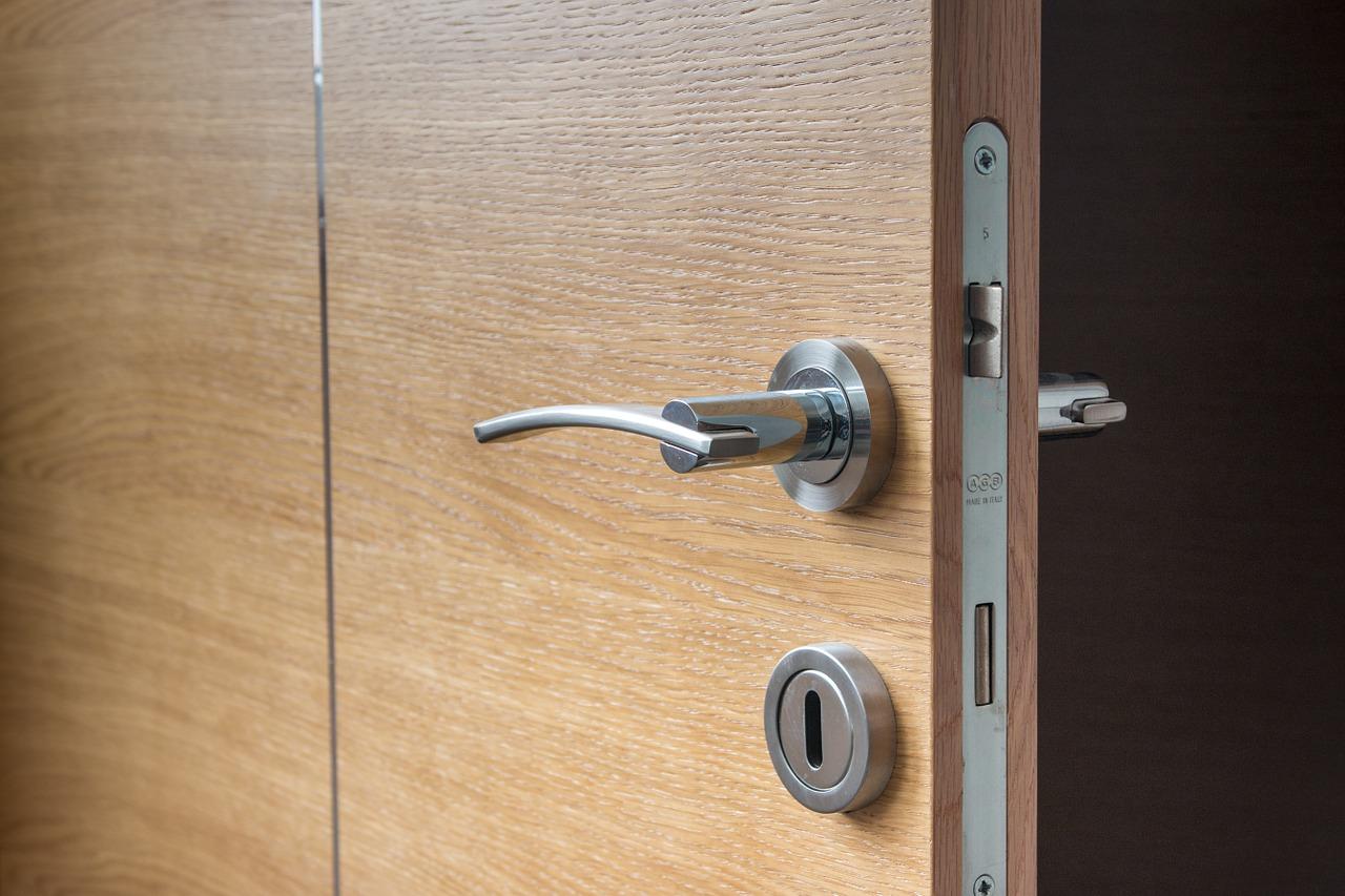 Comment renforcer la sécurité d'une porte ?