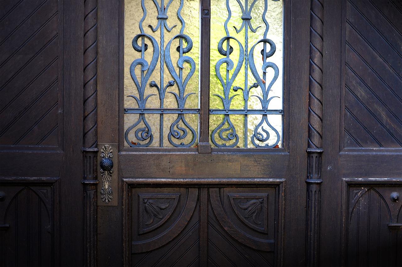 Quel est le coût d'une porte en fonction de son style ?
