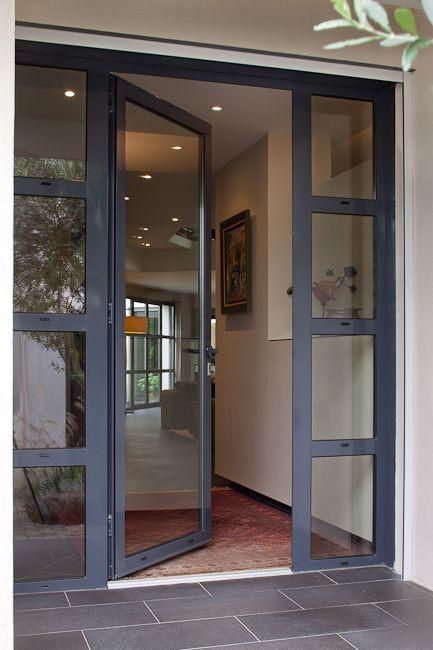 Les atouts d'une porte en verre